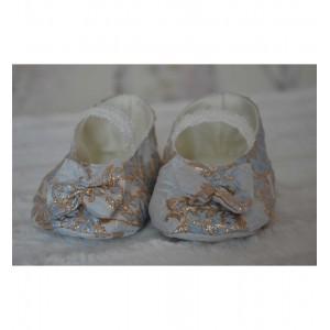 Rochita de botez vara Biserica Brocart Bleu - set elegant cu voaleta si botosei, 3 piese