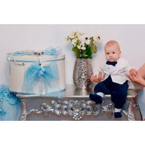 Costumas de botez baieti ARTHUR din catifea ivoire cu albastru, cu boneta si papucei, dvb72